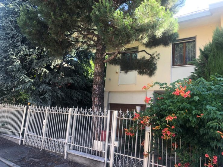 Casa indipendente con giardino di proprietà