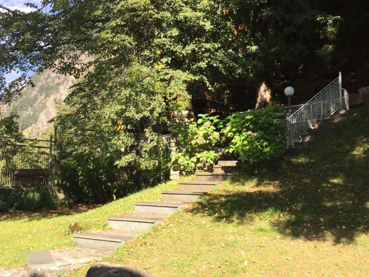 Villa indipendente con ampio giardino